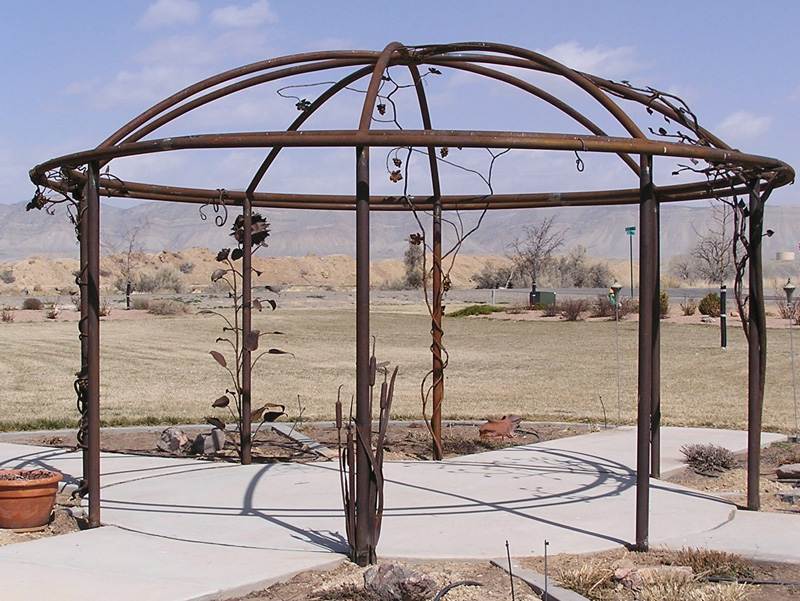 arbor-pipe-patio