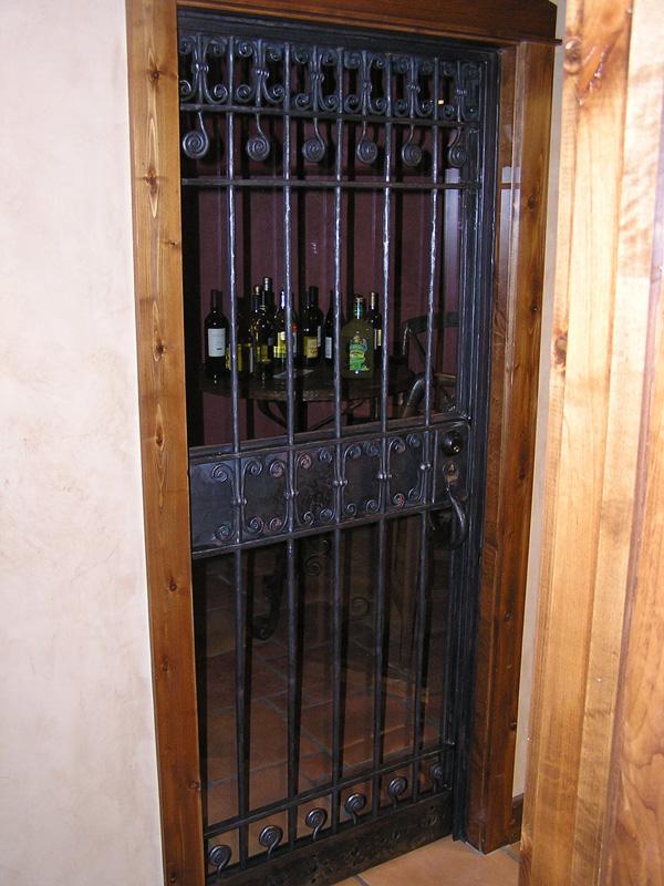 gate-wine-door-tempered-glass