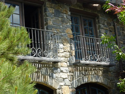 evergreen-two-window-balcony